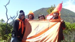 Puncak Pangrango dari Puncak Mandalawangi